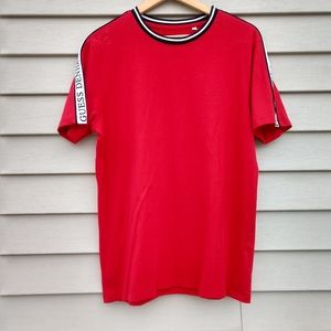 GUESS jeans red t-shirt
